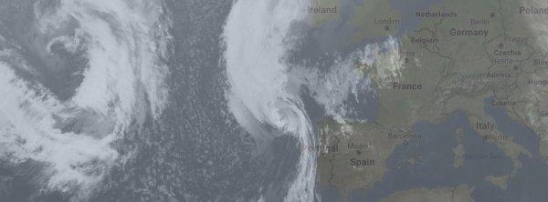 """BIG ONE MONDIAL IMMINENT ET FIN DE VIE SUR TERRE ! ARRIVEE DE NIBIRU : L'ouragan """"Ophelie"""" sera l'événement météorologique le plus grave depuis 1961"""