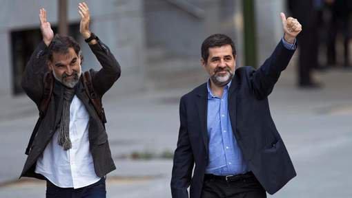 REVOLUTION ESPAGNOL : ORDO AB CHAOS : Des leaders indépendantistes catalans placés en détention