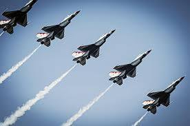 3 GUERRE MONDIAL 2017 EN MARCHE : Guerre globale: Trump signe un décret permettant à l'Armée de l'air de rappeler 1 000 pilotes retraités