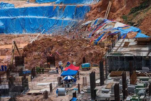 BIG ONE MONDIAL IMMINENT ET FIN DE VIE SUR TERRE ! ARRIVEE DE NIBIRU : Grave glissement de terrain sur une île touristique de Malaisie