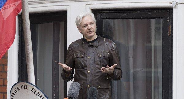 3 GUERRE MONDIAL 2017 EN MARCHE :Assange affirme que les USA se préparent pour la guerre avec l'Iran