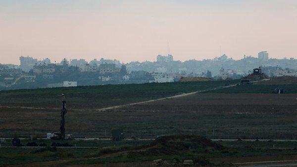 3 GUERRE MONDIAL 2017 EN MARCHE :Des roquettes tirées vers Israël, Tsahal déclenche l'alerte rouge près de la bande de Gaza