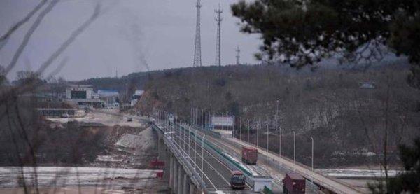 3 GUERRE MONDIAL 2017 EN MARCHE :La Chine prépare la construction de camps de réfugiés à sa frontière nord-coréenne