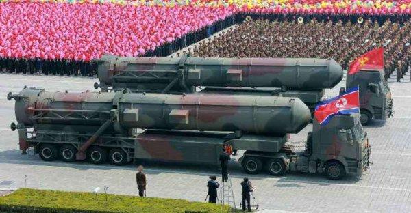 3 GUERRE MONDIAL 2017 EN MARCHE :Lancement d'un missile en Corée du Nord ce week-end: Des experts affirment que Kim Jong Un planifie un essai pour dimanche