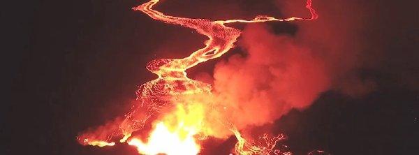 BIG ONE MONDIAL IMMINENT ! ARRIVEE DE NIBIRU : Volcan Kilauea: L'évacuation par l'hélicoptère est prête, car l'éruption de la lave continue à partir de plusieurs points, Hawaii