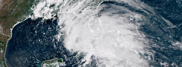 """BIG ONE MONDIAL IMMINENT ! ARRIVEE DE NIBIRU : La Floride déclare l'état d'urgence, tempête subtropicale """"Alberto"""" laissant tomber de fortes pluies"""