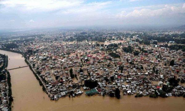 3 GUERRE MONDIAL 2019  EN MARCHE :État d'alerte nucléaire au Cachemire