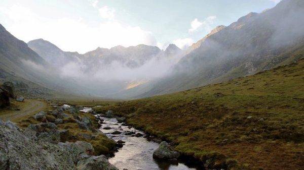 FIN DE VIE SUR TERRE :Il pleut littéralement du plastique sur les montagnes de la Terre entière
