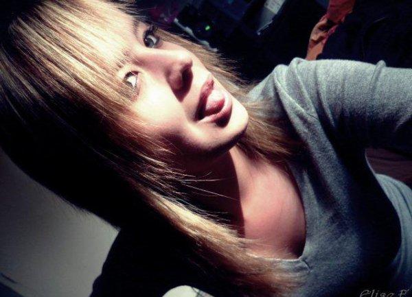 Faut souffrir pour être belle ; alors avec tout ce que j'ai vecu, je devrais être top model ...