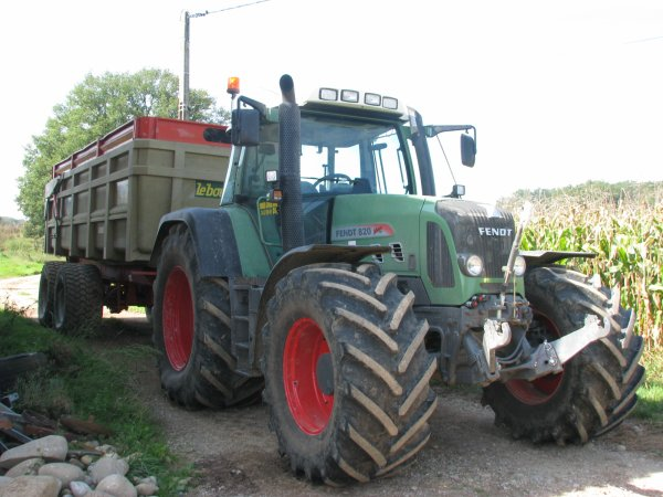 Fendt 820 et leboulch 21 tonnes