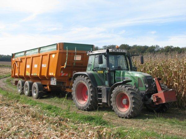 Fendt 712 et dangreville 25 tonnes