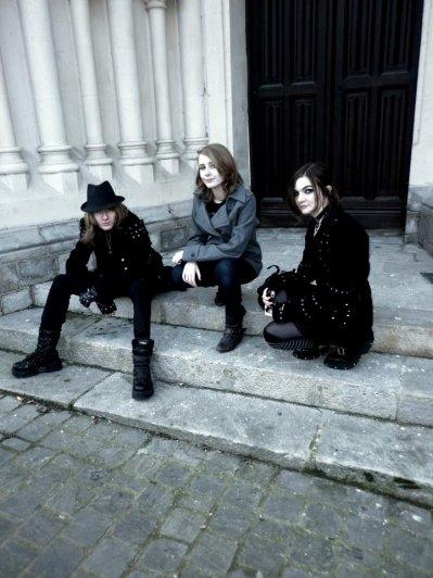 moi, mon frere (manu) et ma soeur (emilie)