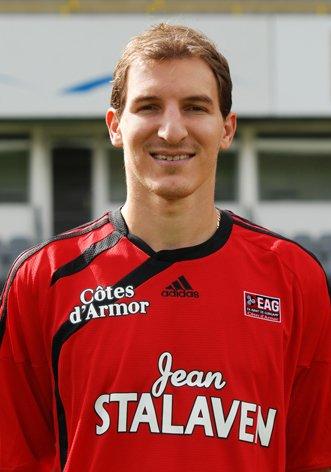 Pacy-sur-Eure-Guingamp 0 - 1 .