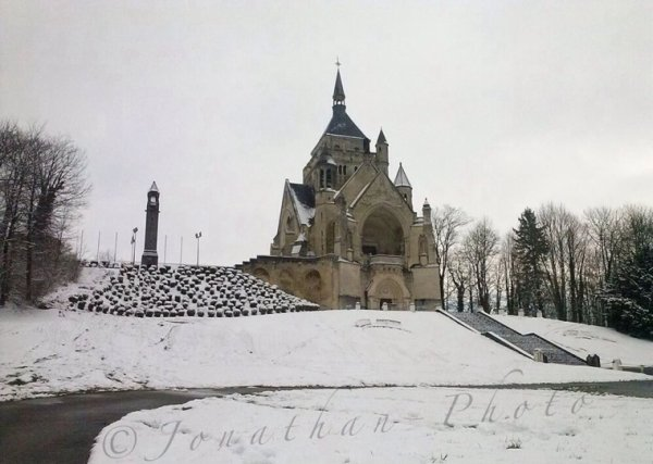 Chapelle De Dormans - manteau de neige