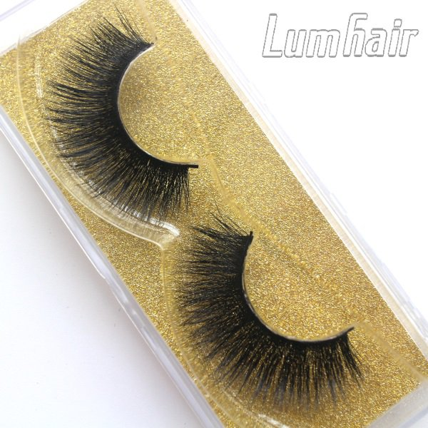 Have captivating eyes with best false eyelashes--Lum Hair