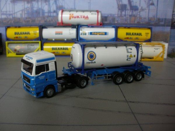 Quelques ensembles a notre dépôt stockage de containers citerne vide
