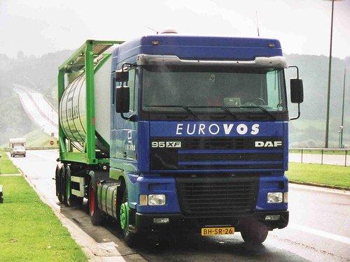 L'histoire d'EUROVOS, avec ces camions aux roues colorées