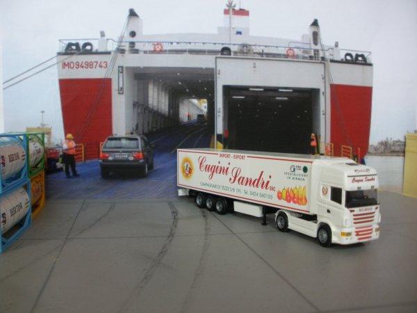 A la sortie du ferry (tous 1/87em)
