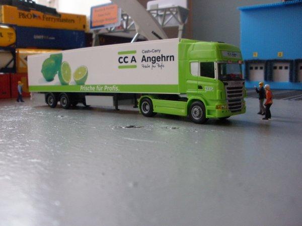 Les nouveautés  de la collection (photo 2 semi frigo a 2 essieux CH)