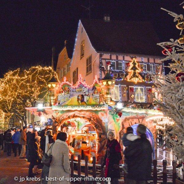 SUR LA ROUTE DES CONTAINERS au 1/87em + pt photo de Riquewirh(Alsace) le marché de NOÊL débute ce vendredi 21 Novembre(photos du net) .........