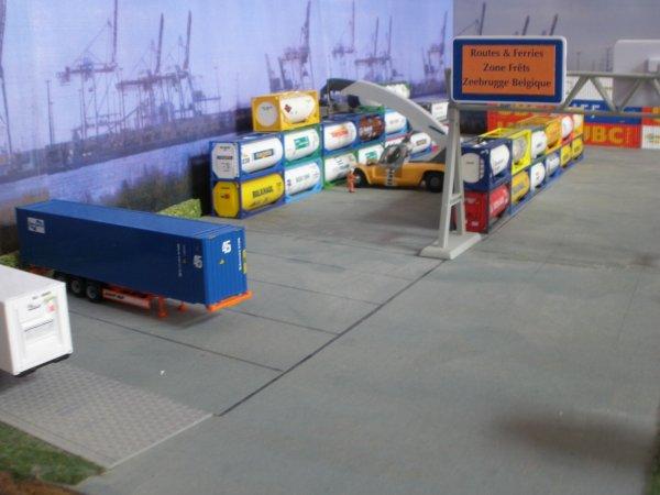 """Le nv dépôt containers de """"ROUTES et FERRIES"""""""