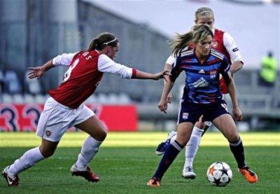 Espagnole , un jour , Espagnole toujours <3 , Camille femme , Fan de foot ..