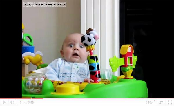 .:Bébé qui à peur de sa mère, quand elle se mouche:.