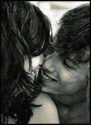 Toi Mon Amour  Tu es mon soleil Celui qui éclaire mes jours et mes nuits Tu es mon souffle Celui qui me redonne la vie Tu es mon arc-en-ciel Celui qui me fait voir la vie si belle et colorée Tu es mon éternel Celui tant recherché