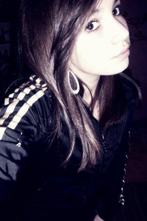 ~ Aimer sans être aimé, pleurer sans être consolée, te voir partir sans pouvoir te retenir, voila ce que j'appelle souffrir .