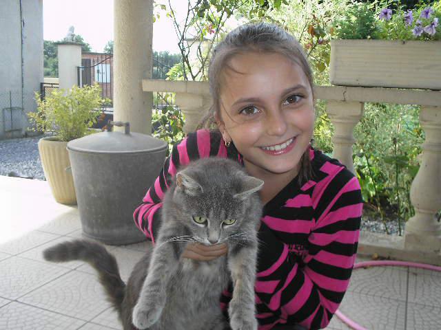 Un petit chat...nommé Mimine...