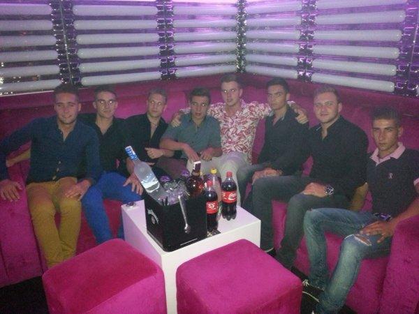 Au 555 Famous à Marrakesh avec les collègue