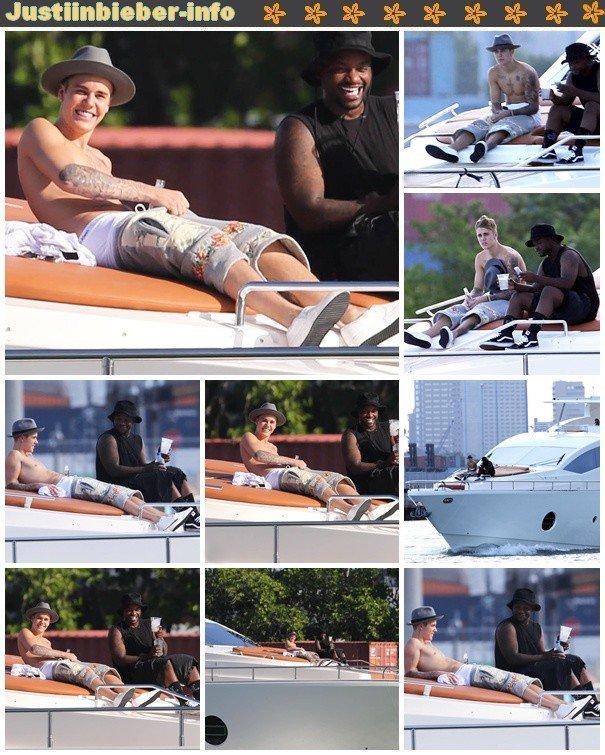 Justin sur un yacht à Miami.