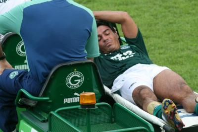 Alex Dias blessé !