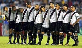Vasco pendant la séance de tirs au but vs Flu (A droite Alex et Romario)