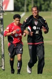 Alex Dias proche de retour à Rio de Janeiro? (Ici à l'entraînement avec Aloisio)