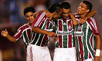 Fluminense prend un avantage conséquent en demie-finale aller de la coupe du Brésil (à gauche, Alex Dias)