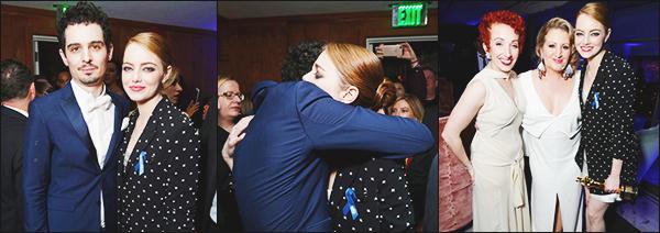 ► 26/02/17 ▬ Après les Oscars, Emma stone s'est rendu à l'after party organisé par Vanity Fair à Los Angeles. c'est très classe et très fier que Emma affiché son Oscars. Elle le mérite amplement c'est une très bonne actrice!