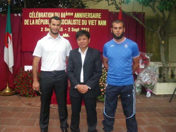l'equipe national inviter a l'embassade du vietnâme pour la fête de l'indepandance