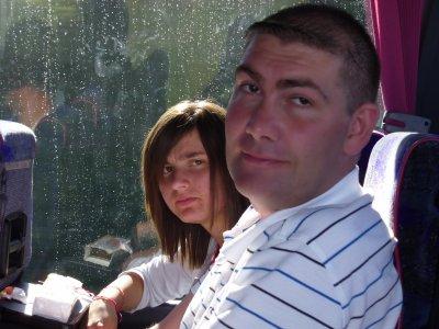 :/ :D  moi et olivier dans le bus : )