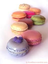 - Le chocolat est ruine, bonheur, plaisir, amour, extase, fantaisie... - [Elaine Sherman]