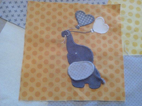 Thème Elephant -Girafe / Chambre grise  LA COUETTE  les appliqués