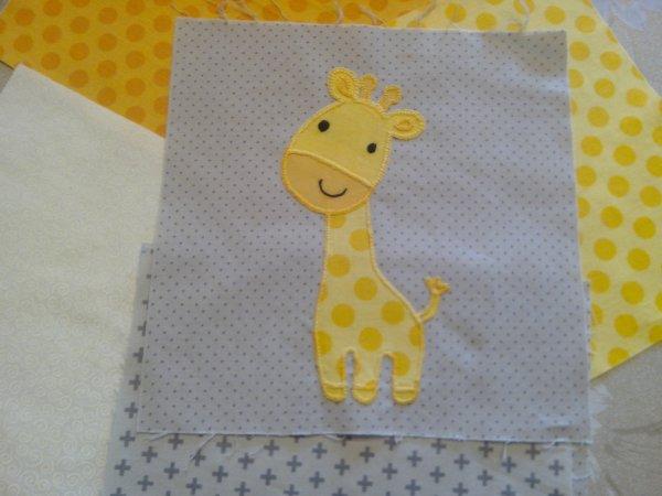 Thème Elephant -Girafe / Chambre grise  LA COUETTE  les appliqués SUITE