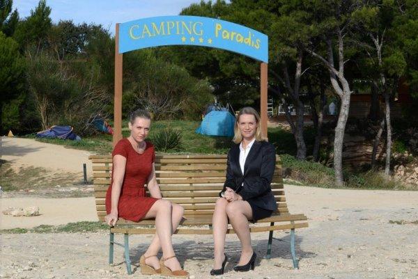 ° Camping Paradis avec V-C °