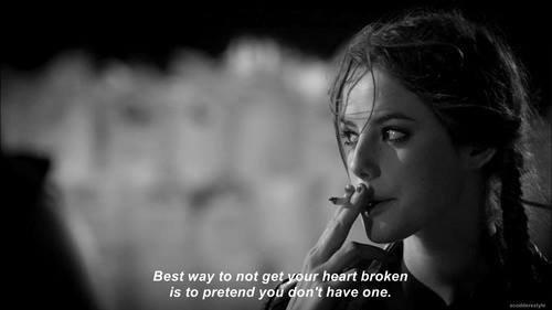 - J'ai pas envie de te voir t'en aller, parce que merde, j't'aime tellement -