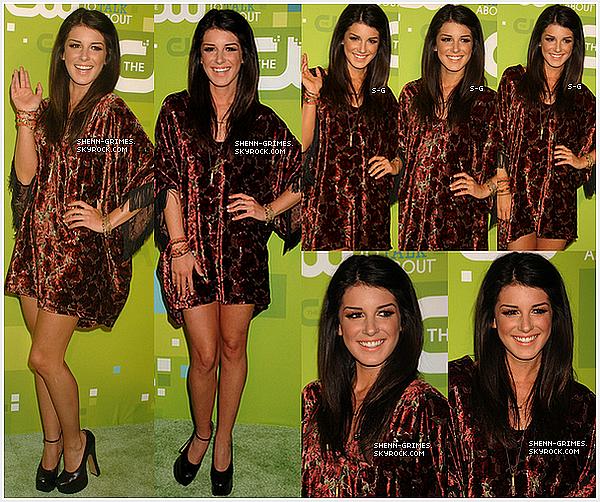 _ __19/05/2011 : Shenae était au Lincoln Center à New York City à l'évènement The CW Network's 2011._ + C'est un TOP pour moi !!!! sauf son rouge à lèvres que je trouve trop claire, ses chaussures sont sublimes et toi ? Dis-moi. _