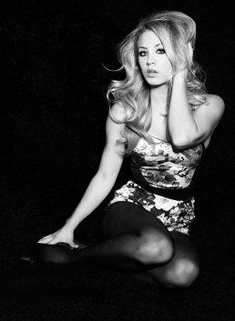 Kaley Cuoco -Article Flashback- Photoshoot pour Playboy (2011)