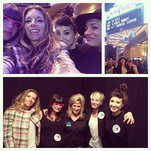 Kaley Cuoco a posté 1 nouvelle photo sur Instagram le 5 novembre, 3 photos le 7 novembre et 2 photos le 8 novembre