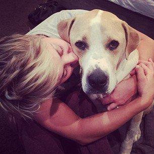 Kaley Cuoco a posté 7 nouvelles photos sur Instagram le 9 novembre