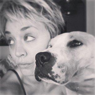 Kaley Cuoco a posté 5 nouvelles photos sur Instagram le 11 novembre
