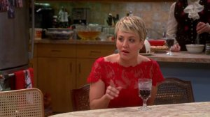 "Kaley Cuoco Stills de ""The Big Bang Theory"" - 8x10 ""The Champagne Reflection"" et 8x11 ""The Clean Room Infiltration"""